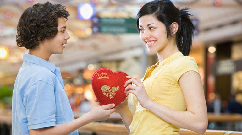 Chocolate gift valentines