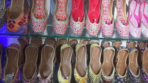 Classic-Ethnic-Footwear-Mojaris
