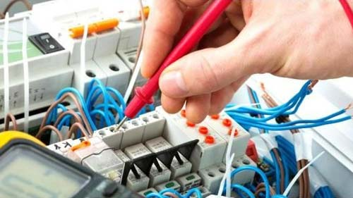 Choosing-Electrician-For-Home