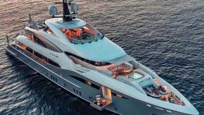 Small-Luxury-Yachts